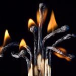 هنرنمایی با چوب کبریت سوخته