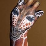 نقاشی روی دست ها